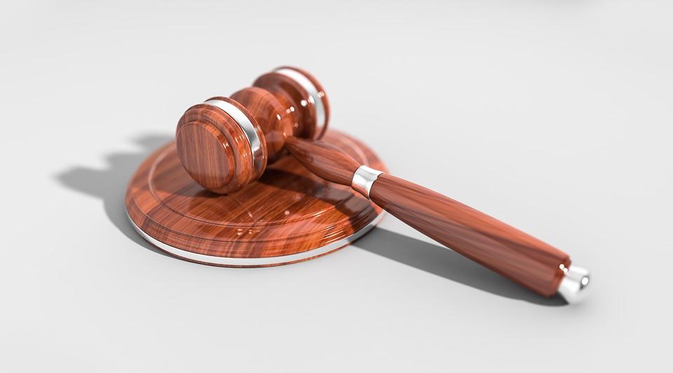 Z czego wynika koszt usług prawnych?