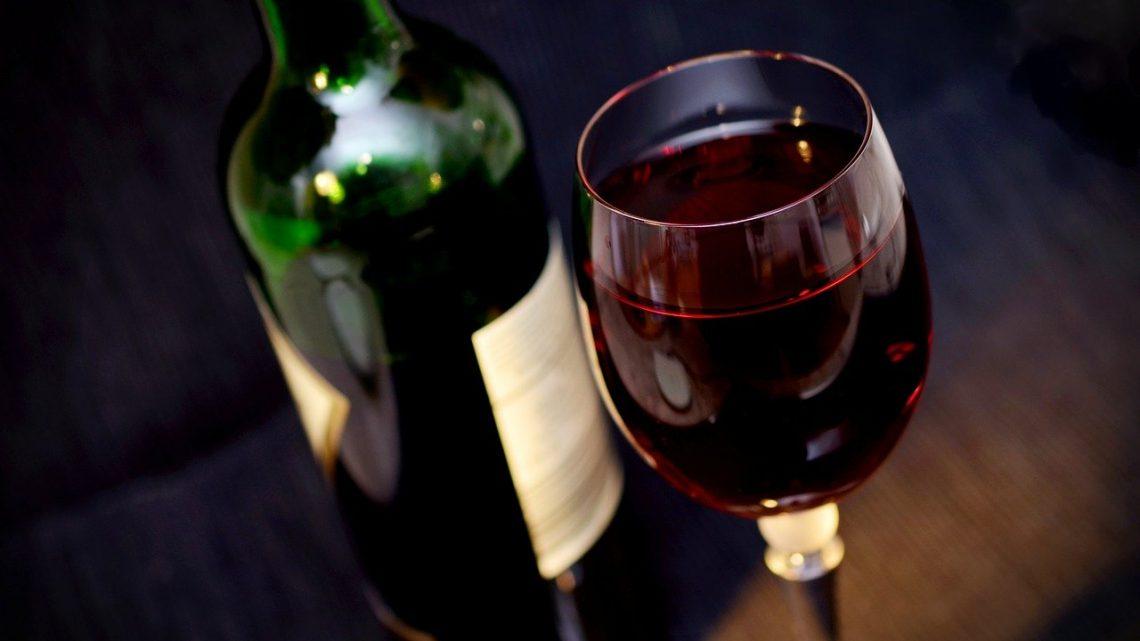 Kiedy powinno się pić wino białe?
